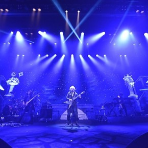The 9th Story CD Deluxe Edition will include live footage and an additional maxi single.